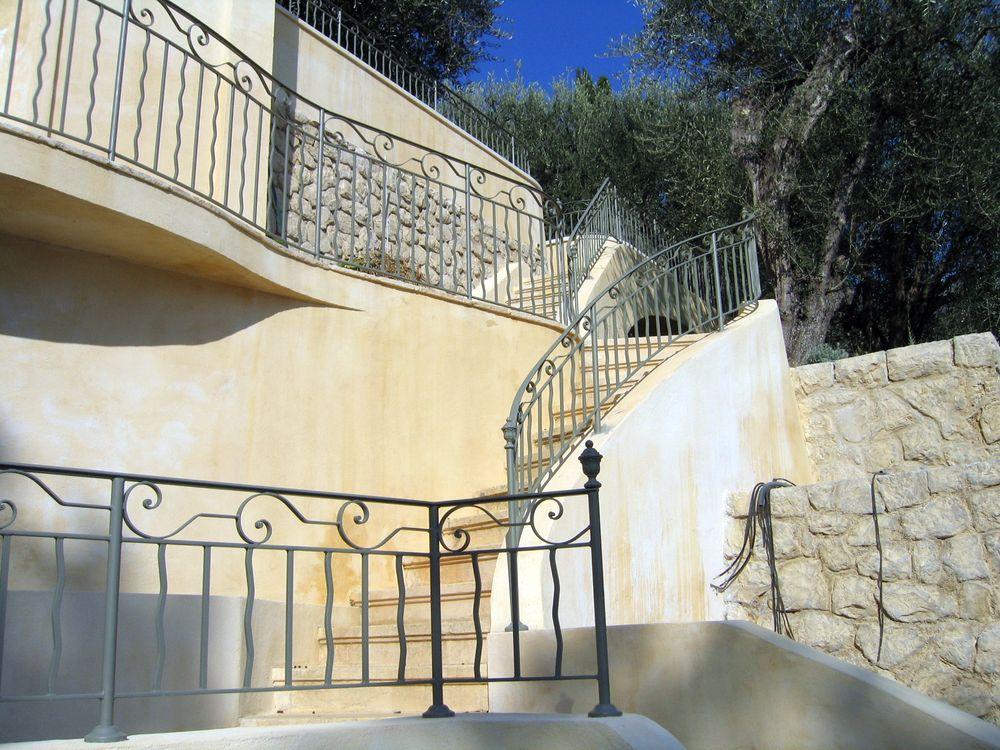 Rampe escalier exterieur fer forge latest rampe escalier for Rampe d escalier exterieur en fer forge